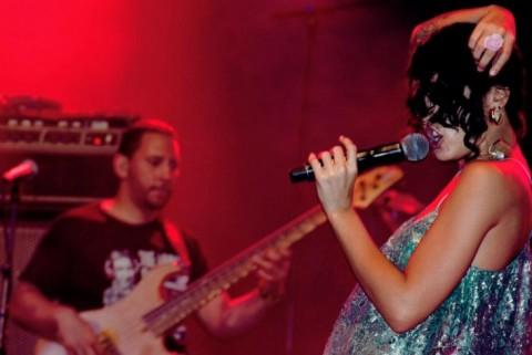 Ileana Cabra Joglar, aka PG-13, de vrouwelijke stem van Calle 13 in concert in Antwerpen (2012) - Foto: Diana Gavilanes Salcedo