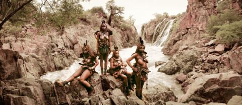 Foto: Jimmy Nelson- de Himba, Namibië (http://www.beforethey.com/tribe/himba)