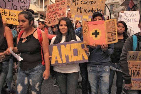 Miles de jóvenes continúan abriendo el camino para erradicar la violencia.